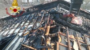 incendio villetta alta valle intelvi tetto bruciato