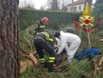 incidente lavoro albiolo, operai feriti dopo caduta dal cestello