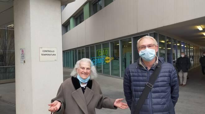 prima pensionata over80 vaccinata ospedale sant'anna di como appena uscita