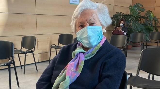 signora giuseppina 100 anni in attesa vaccino covid sant'anna