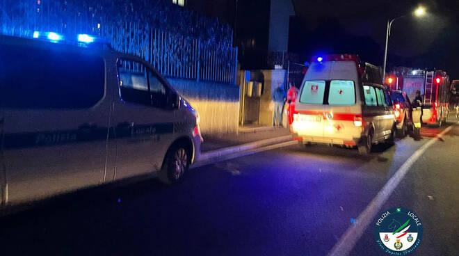 donna soccorsa in casa cantù pompieri ambulanza polizia locale