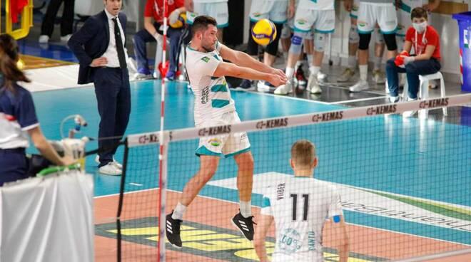 libertas cantù vince a santa croce play off volley maschile