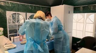 lurate caccivio primo giorno hub vaccinazioni medici pazienti infermieri