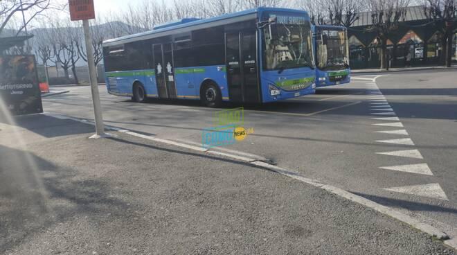 piazza matteotti como capolinea autobus da domani lavori paratie