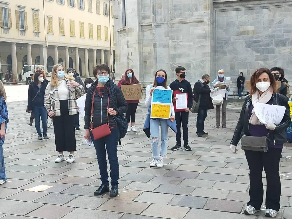 Protesta Priorità alla scuola