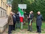 cerimonia intitolazione al professor paolo maggi tratto giardini viale varese como