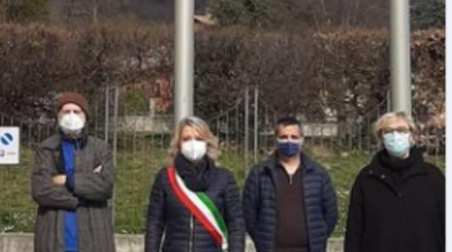 comune erba sindaco e vice silenzio per le vittime del covid