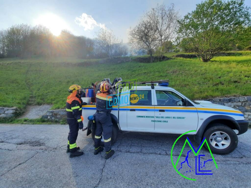 Doppio incendio in alto lago: l'impegno di volontari e pompieri per domare il fuoco
