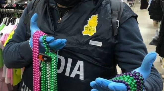 Maxi sequestro Guardia di Finanza giocattoli pericolosi