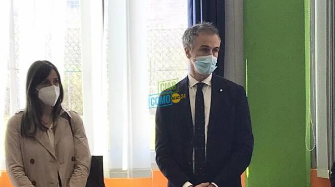 inaugurazione centro vaccinale della valle d'intelvi sindaco pozzi e presidente fermi