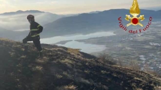 incendi boschi cornizzolo e carate urio anche esino lario intervento pompieri