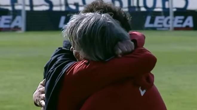 ludi e gattuso in lacrime dopo il fischio finale della gara al sinigaglia como in b