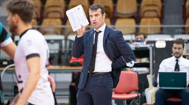 matteo battocchio coach libertas cantù volley maschile resta in panchina