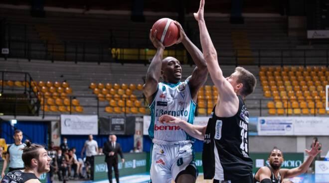 pallacanestro cantù trento energia basket maschile