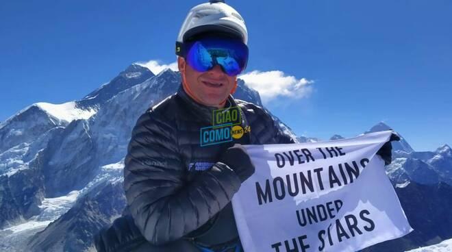 roberto invernizzi da nesso verso l'Everest sue foto dal campo base