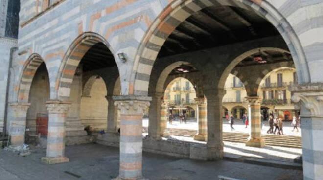 broletto portici
