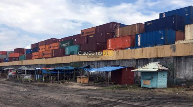 Dentro un mondo logistico: capitalismo di piattaforma, lavoro digitale, lavoro di piattaforma