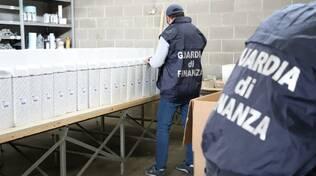 guardia di finanza pezzi di ricambio contraffatti fabbrica di guanzate scoperta e denunce