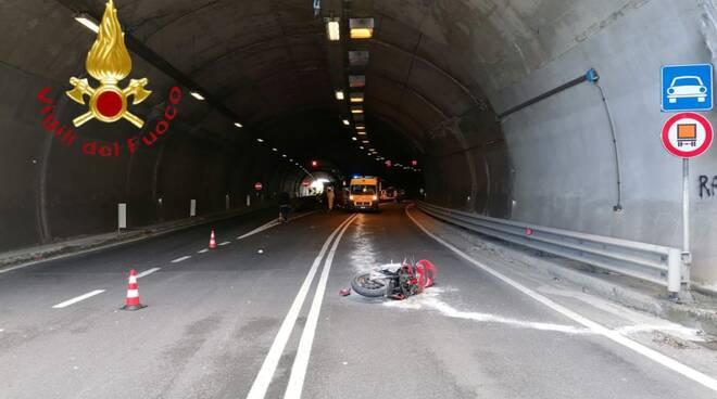 incidenti oggi, mortale a dongo e schianto centro valle intelvi auto e moto