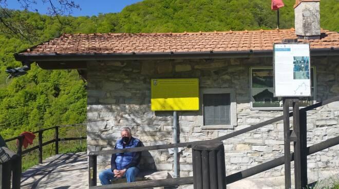 La suggestiva visita di CiaoComo ad Erbonne; cinque abitanti e il museo della Finanza