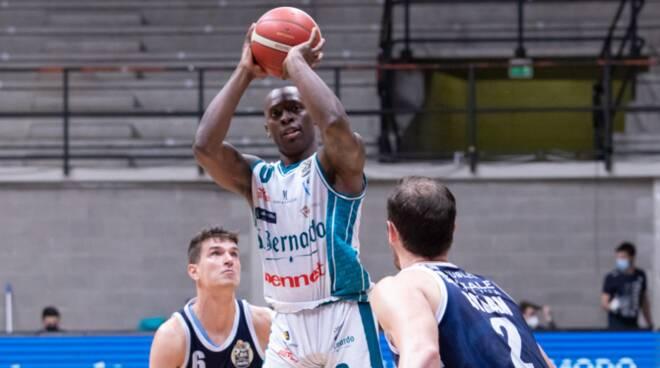 pallacanestro cantù ultima gara stagione contro sassari