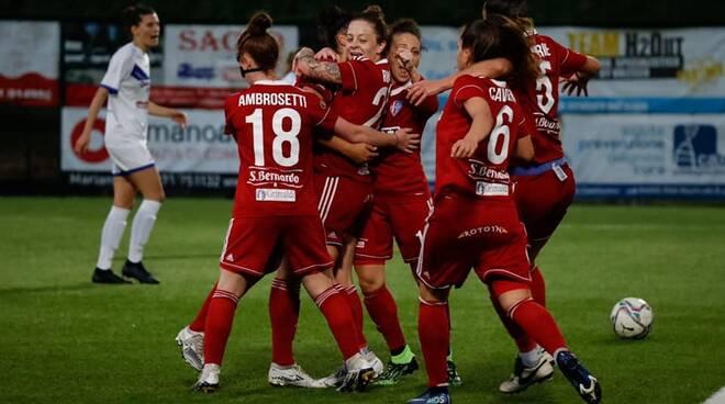 riozzese como calcio femminile gara casalinga serale con Brescia