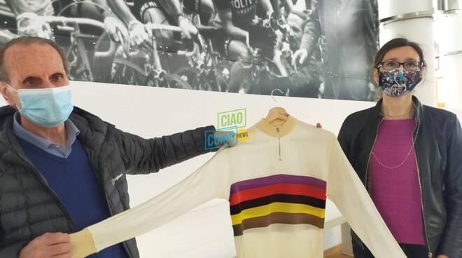 visita al museo del ciclismo del ghisallo maglie e direttore e presidente fondazione