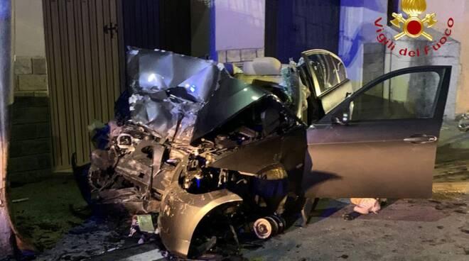 incidente notte a san sito auto fuori strada morto ragazzo 20 anni