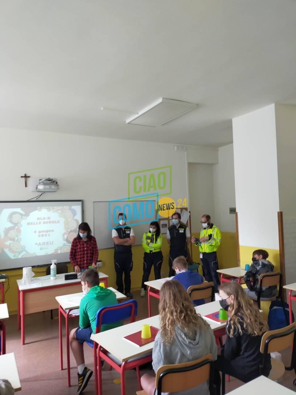 Olgiate, lezione agli studenti delle medie di 118 e Sos: come chiedere aiuto in caso di emergenza