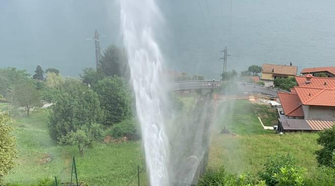 perdita acqua da conduttura idrica alto lago livo intervento pompieri