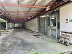 Visita dell'assessore Galli al palazzetto dello sport di Muggiò: degrado ed abbandono
