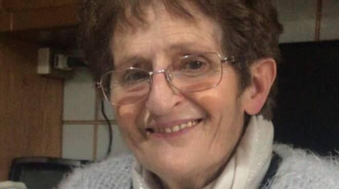 bruna sala morta a tavernola sua foto con preghiera famiglia