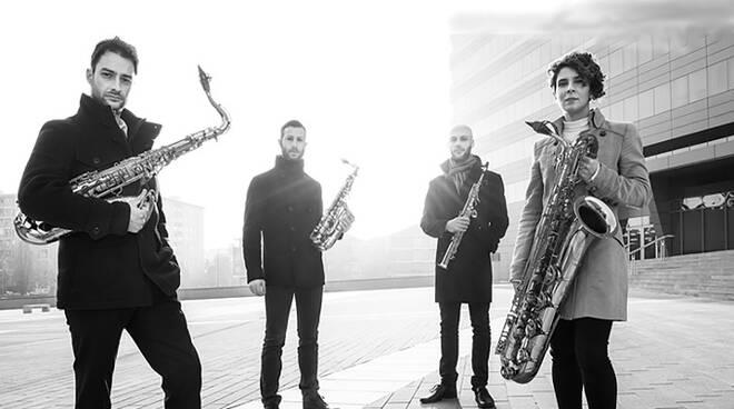 lakecomo music festival milano saxophone