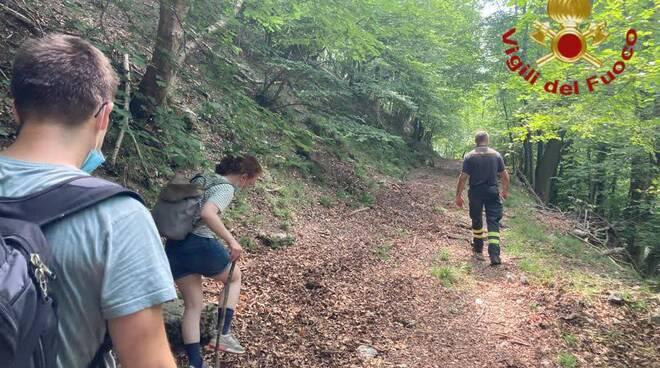 pompieri como recupero turisti tedeschi in difficoltà sui sentieri di brunate