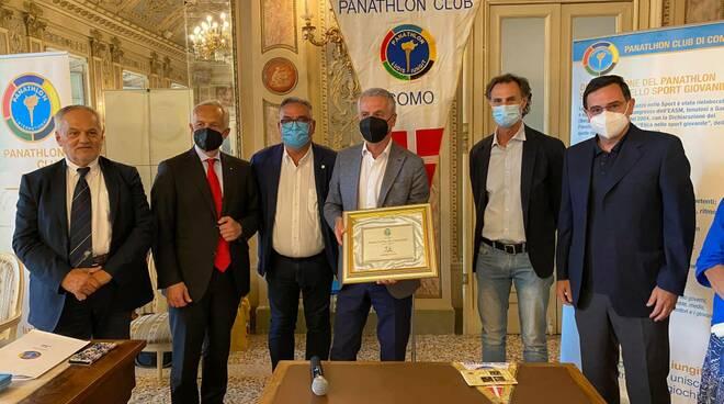 premi fai play panathlon como 2020 cerimonia consegna sociale como cova borgonovo