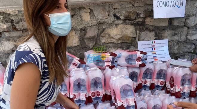 argegno mancanza acqua il sindaco in piazza per distribuzione bottiglie