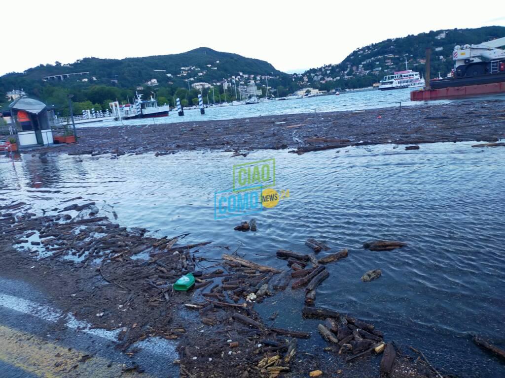 esondazione lago di como agosto 2021 acqua e detriti