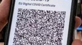 green pass su telefonino per controllo aereoporto