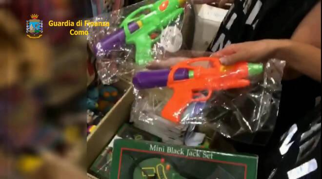 guardia di finanza como controlli emporio giocattoli verifiche