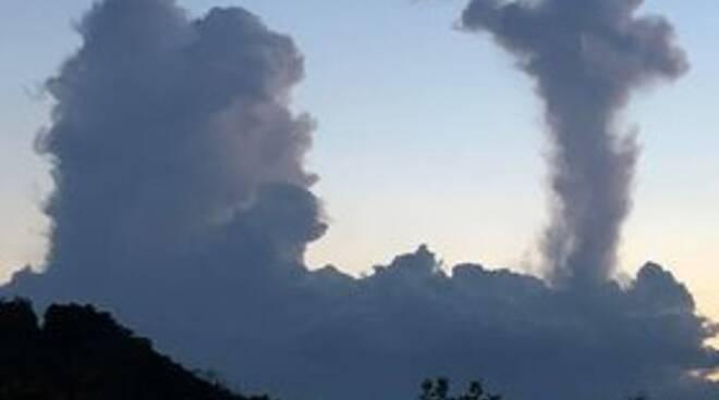 le strane nuvole nei cieli comaschi foto lettori per foto notizia