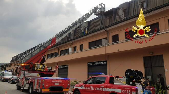 lipomo incendiol appartamento via montorfano pompieri e stabile