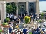 Moltrasio, il funerale dell'avvocato Andrea Noseda: tanti amici al cimitero per il saluto