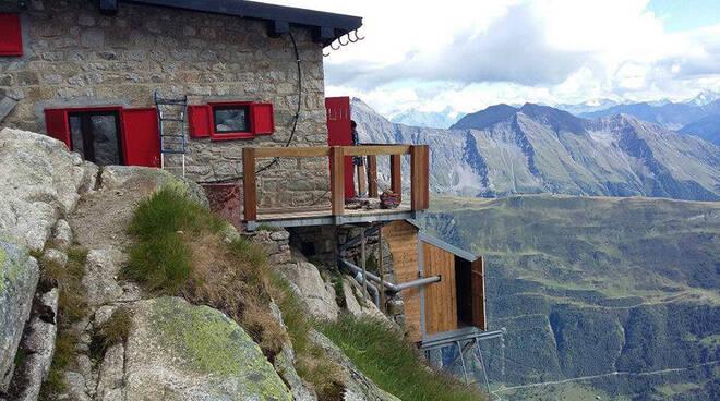 rifugio boccalatte valle d'aosta incidente montagna muore donna comasca