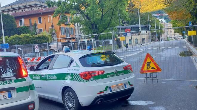 traffico como strade dopo esondazione semaforo blevio sulla lariana
