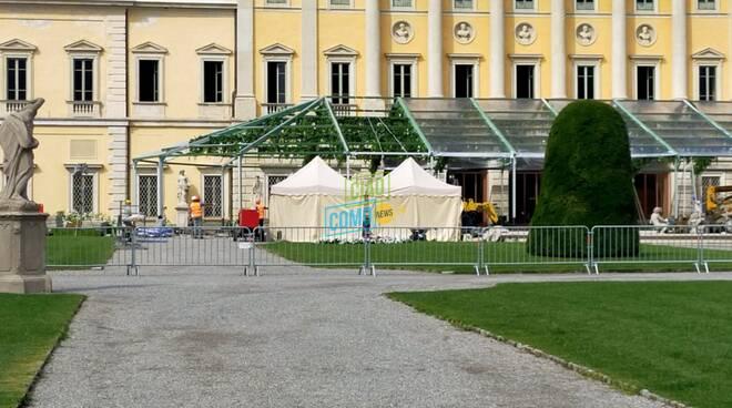 Villa Olmo preparativi per matrimonio tra turchi transenne allestimento materiale e parcheggi