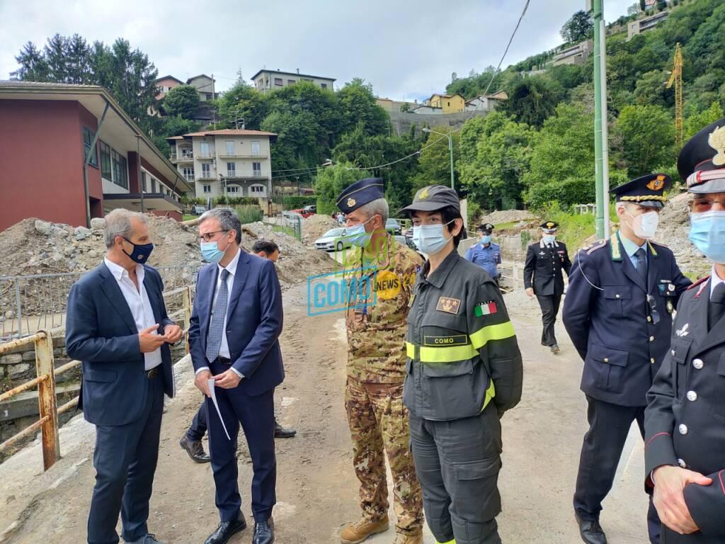 Visita a Cernobbio del MInistro della difesa Guerini dopo danni alluvione