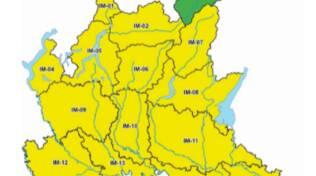 allerta gialla protezione civile su regione lombardia foto regione colorata di giallo