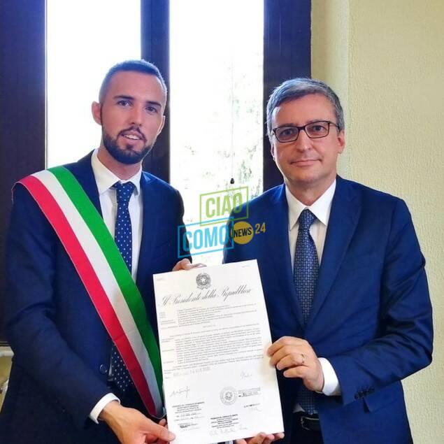 dizzasco cerimonia consegna stemma al sindaco da parte del prefetto ricevimento comune