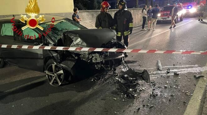 incidente gravedona auto fuori strada notte e distrutta e poi schianto pedemontana lomazzo