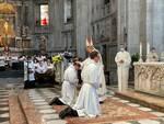 nuovi diaconi ordinati duomo como jacopo e davide con vescovo